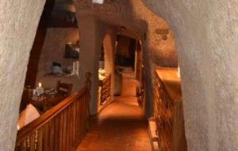 De Vinos y Cuevas