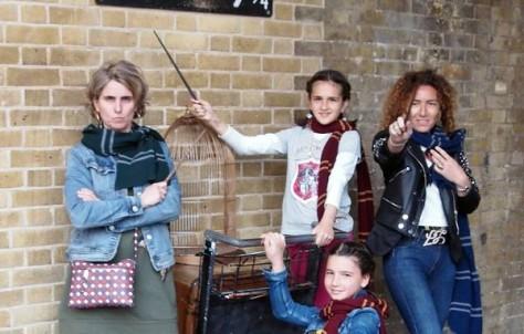Sólo faltó encontrarnos con el verdadero Harry Potter en la calle