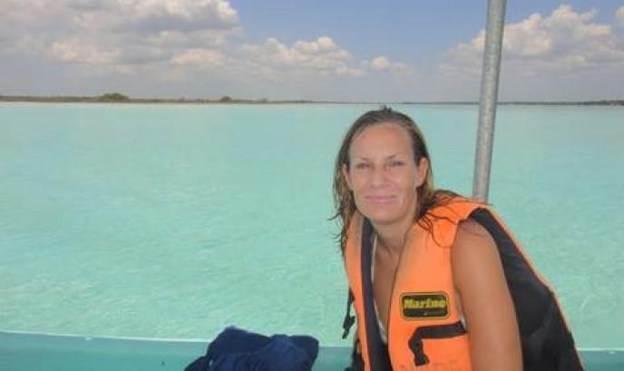 Cristina en la Laguna de Bacalar