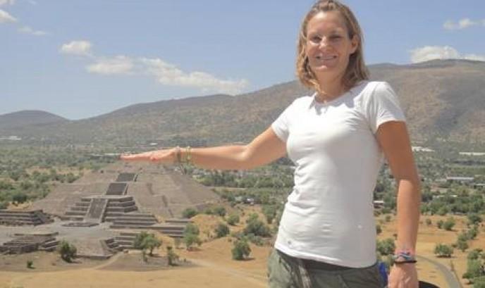 Cristina en las Pirámides de Teootihuacan