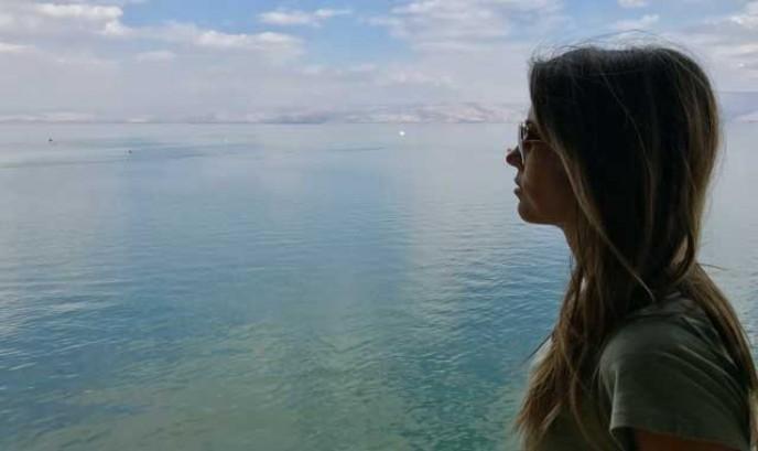 Carmen en el Mar de Galilea