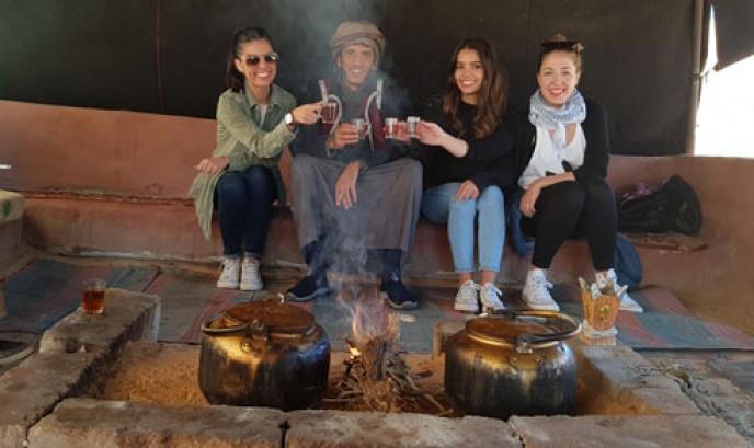 Tomando té en Wadi Rum