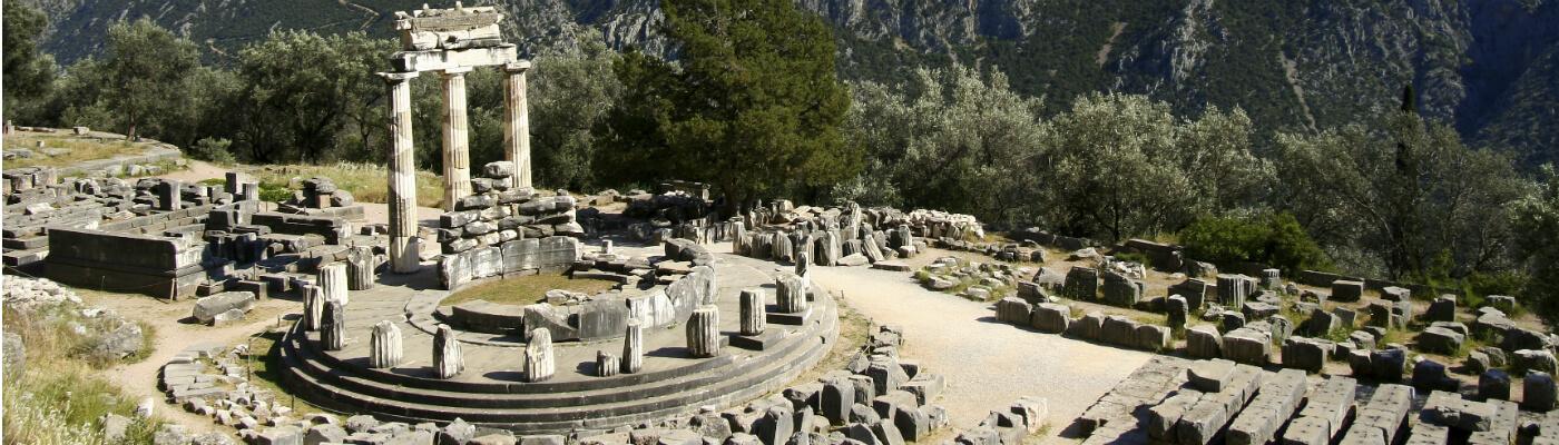 Peloponeso y Delfos