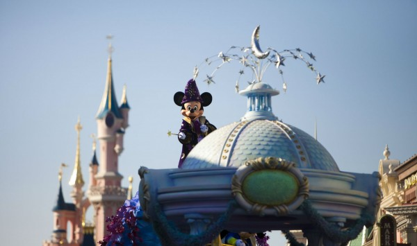 . Viaje a Disneyland® Paris con PANGEA The Travel Store