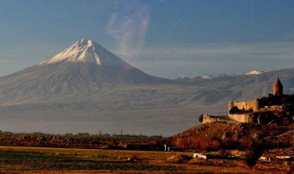 Sagrado Khor Virap. Viaje a Armenia y Georgia con PANGEA The Travel Store