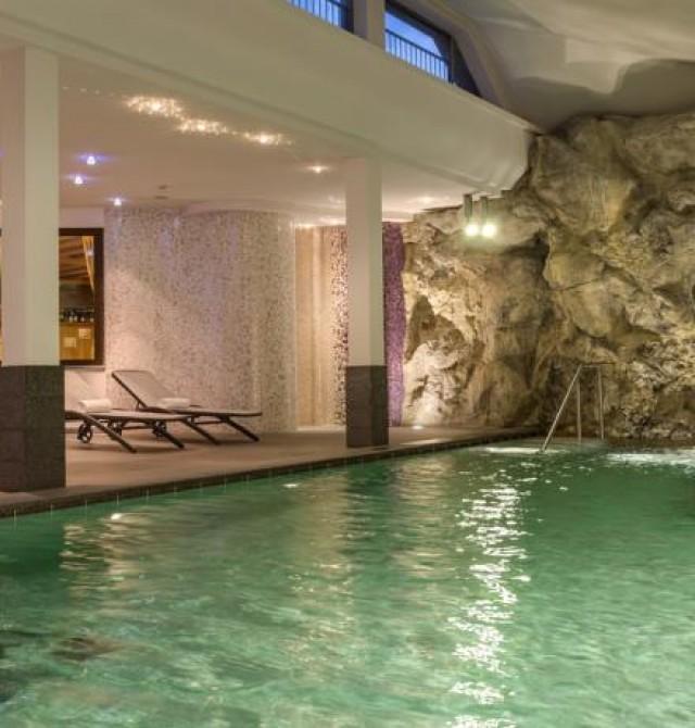 Piscina Hotel Antares en Selva Gardena, Italia