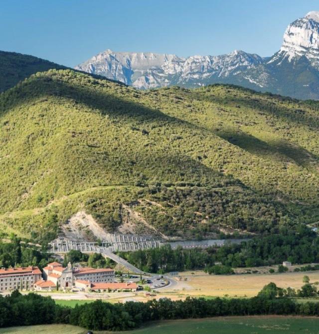 Hotel Monasterio de Boltaña en Huesca, PN de Ordesa