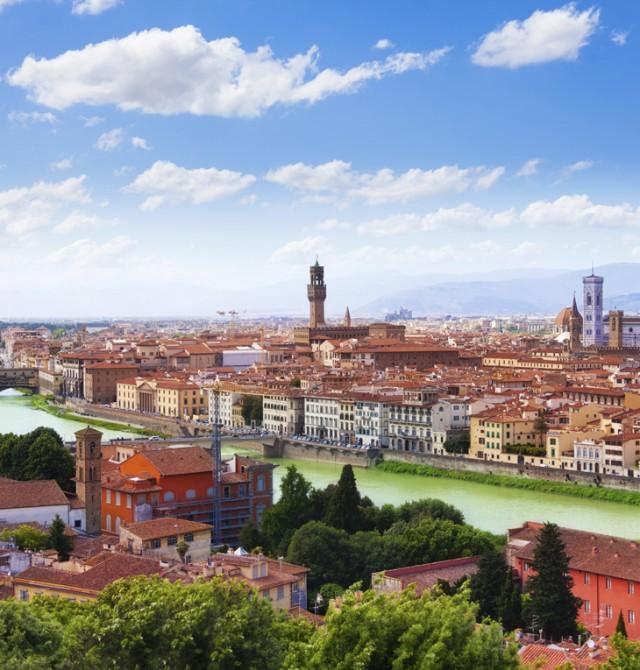 Skyline Florencia y Rio Arno