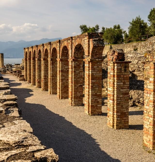 Las cuevas de Catullo en Italia