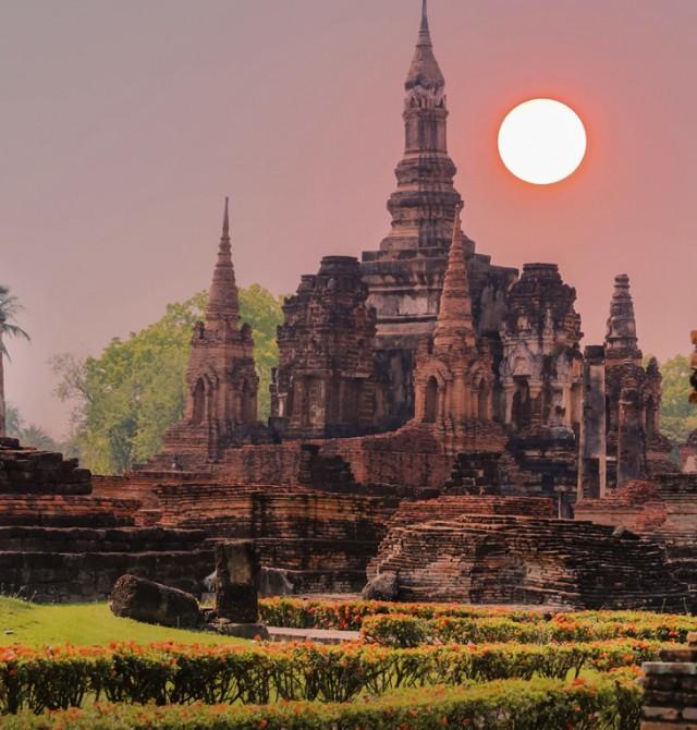 Parque histórico Sukhothai en Tailandia y Camboya