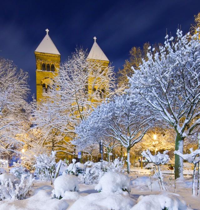 La ciudad de Colonia nevada