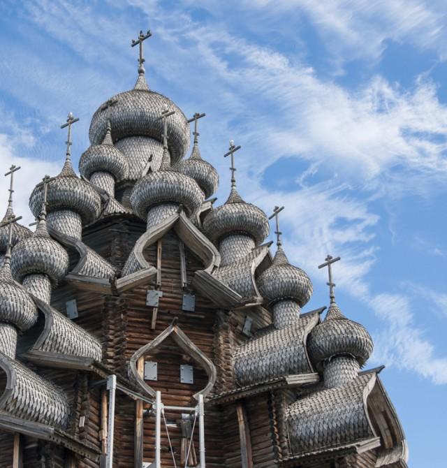 Iglesia de madera en Kijí