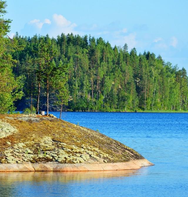 Los colores del lago  en Finlandia