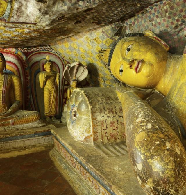 Templo de roca de Dambulla en Sri Lanka y Maldivas
