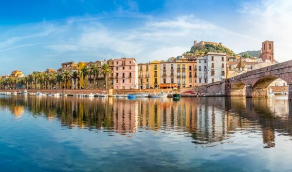 Bosa. Viaje a Italia con PANGEA The Travel Store