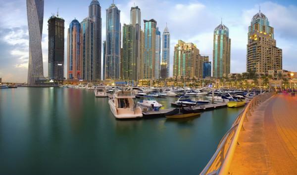 Dubai Marina. Viaje a Emiratos Árabes y Omán con PANGEA The Travel Store