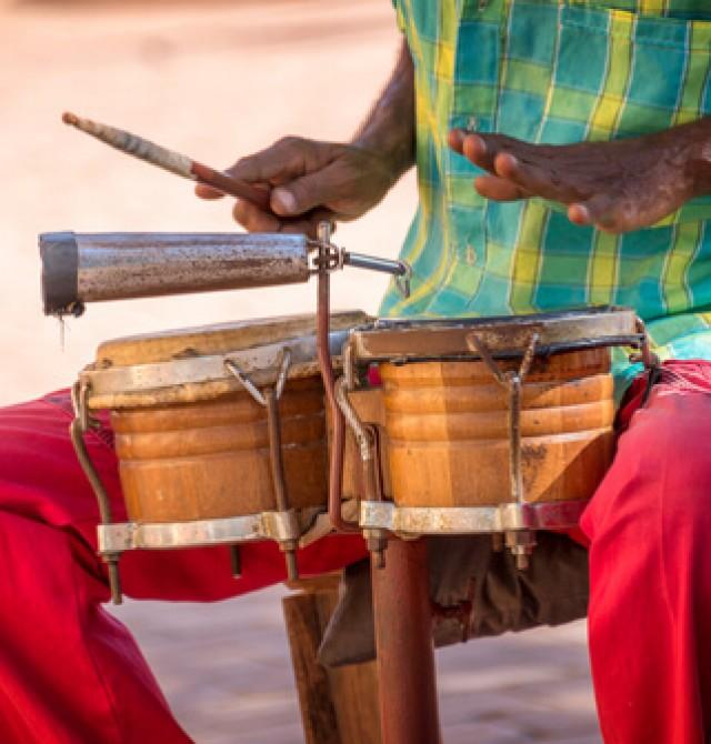 Música en la calle en Cuba