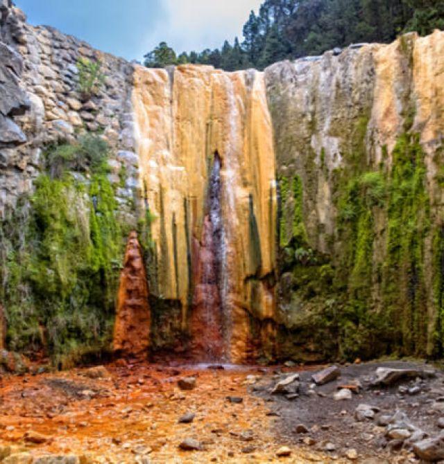 Cascada de los colores en La Palma