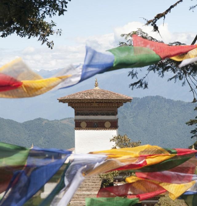 Las cumbres del Himalaya, al alcance de la cámara en Bután