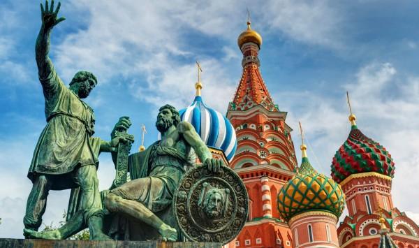 Monumento a Minin y Pozharsky . Viaje a Rusia con PANGEA The Travel Store