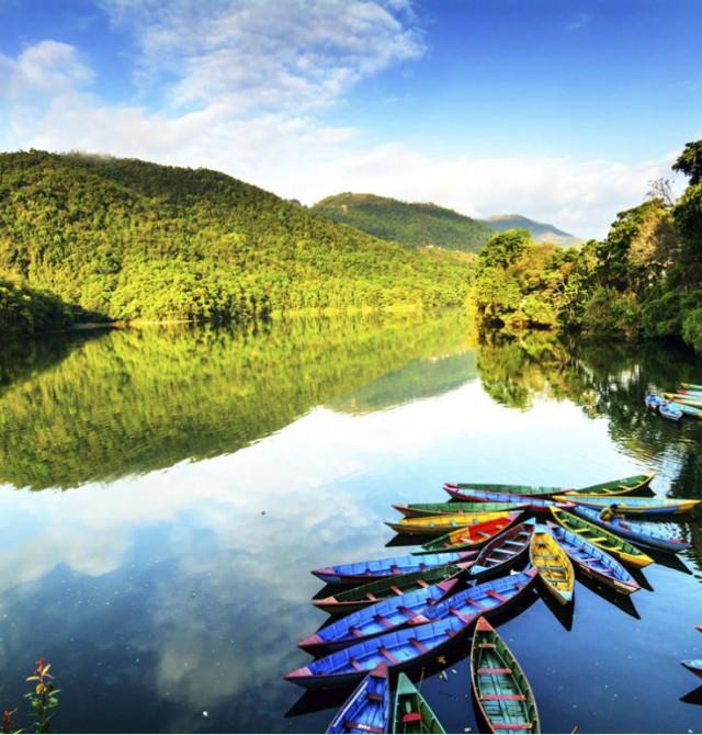 Lago Phewa en Nepal