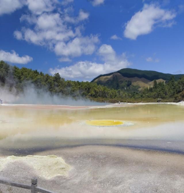 Maravillas geotérmicas y danzas maoríes