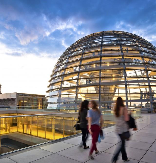 Cúpula del Reichstag de Berlín en Republica Checa y Alemania