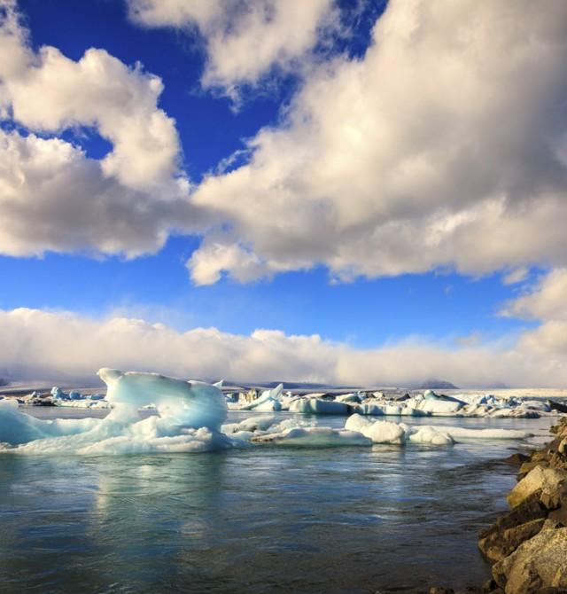 entorno glacial de la laguna de Jokulsarlon en Islandia