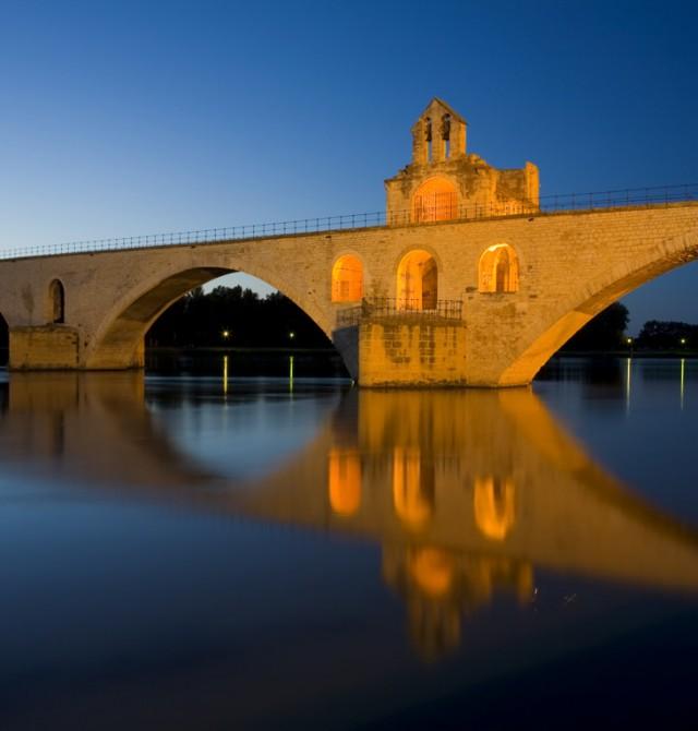 Sur le Pont d'Avignon en Francia