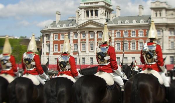 Cambio de guardia en Buckingham. Viaje a Reino Unido con PANGEA The Travel Store