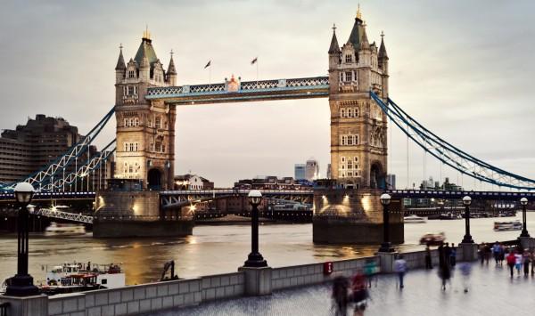 Puente de la Torre. Viaje a Reino Unido con PANGEA The Travel Store