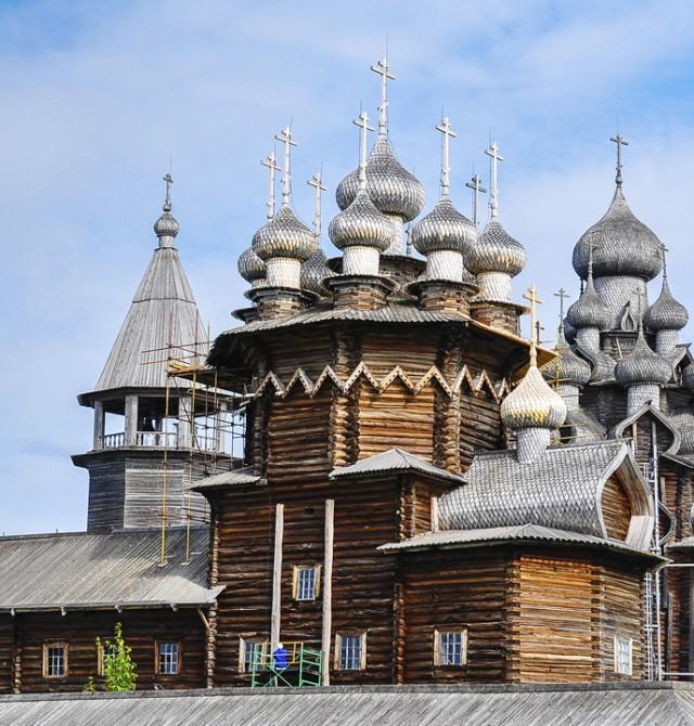 Iglesia de la Transfiguración en Kijí en Rusia
