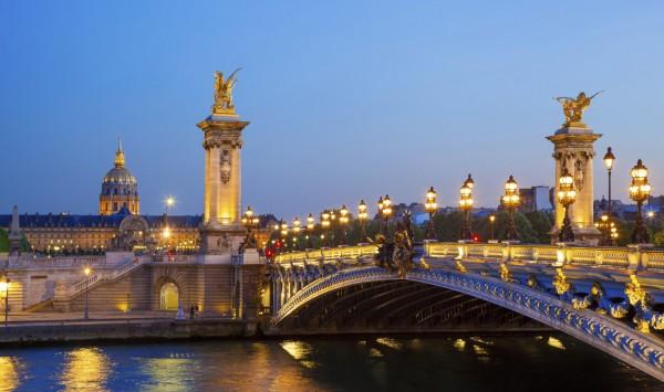 Puente Alejandro III. Viaje a Francia  con PANGEA The Travel Store