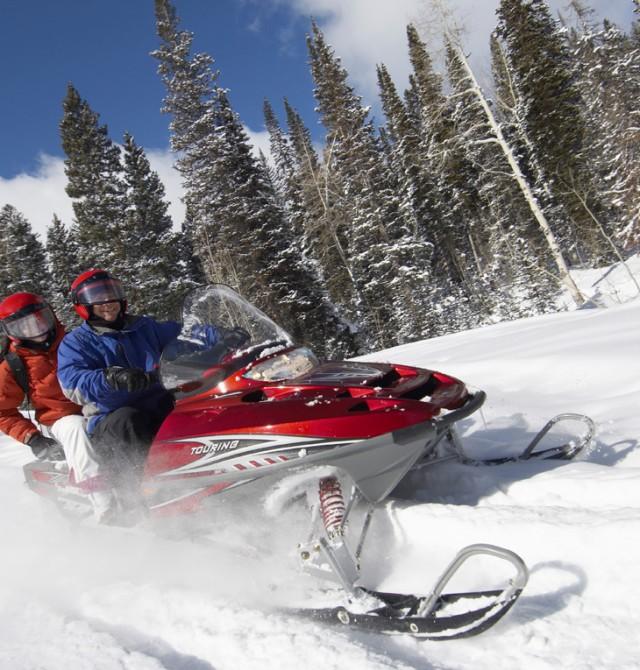 Rusia en motos de nieve