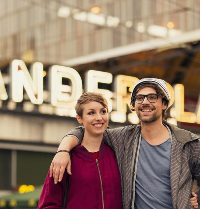pareja feliz en Alemania