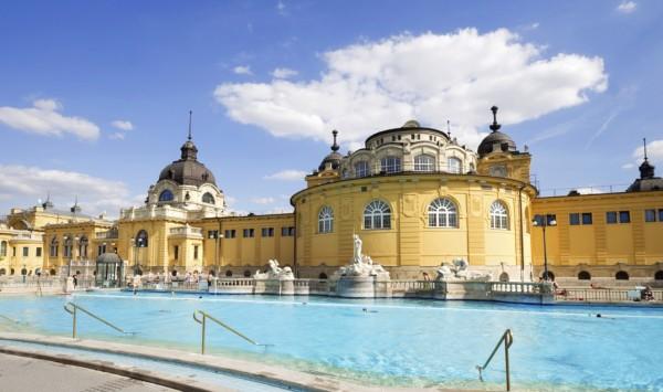 Baños. Viaje a Budapest con PANGEA The Travel Store