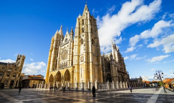 Catedral gótica de León. Viaje a León con PANGEA The Travel Store