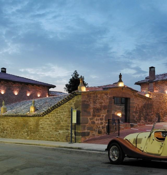 Fachada exterior en La Rioja, Azofra