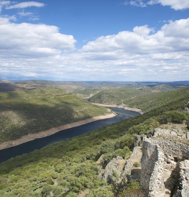 Castillo del PN de Monfragüe y salto del gitano en Cáceres, Parque Nacional de Monfragüe