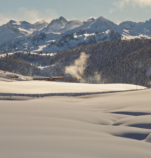 Esquiar en la mejor estación de esquí de España en Baqueira Beret, Valle de Arán